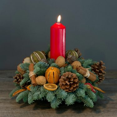 CHRISTMAS SPRUCE TABLE DECORATIONS