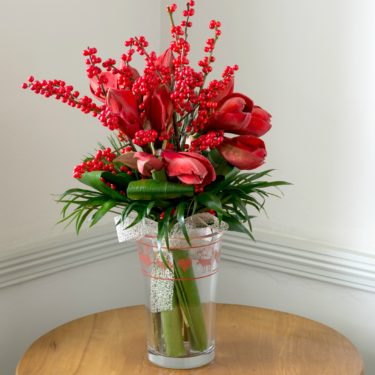 MERRY BERRY WINTER RED BOUQUET