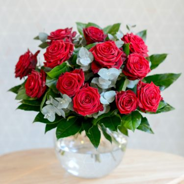 GRAND LOVE AFFAIR 12 LUXURY RED ROSES