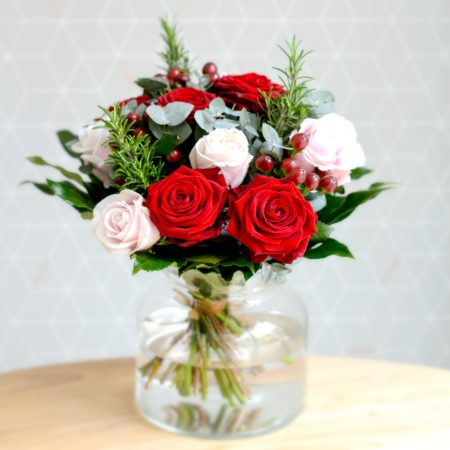 valentine blushes red rose bouquet