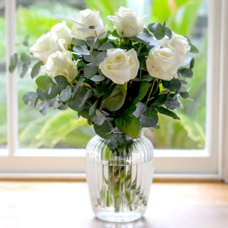 ROMANTIC DOZEN WHITE ROSES