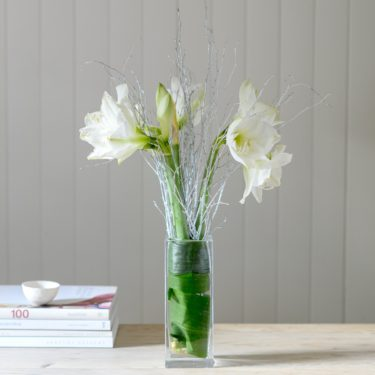 WHITE AMARYLLIS FLOWERS WITH GLITTER TWIGS