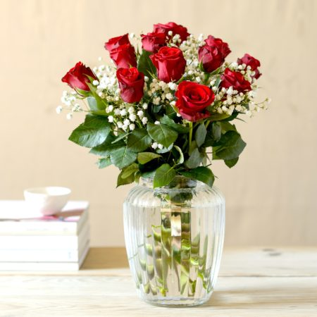 12 little kisses red rose bouquet