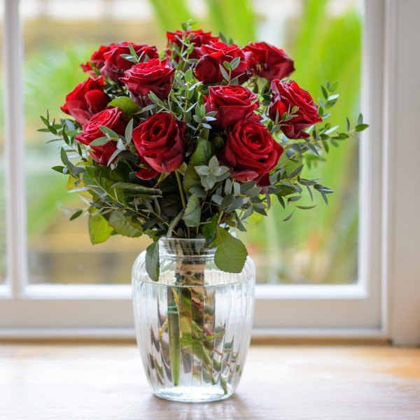 lovers-lane-red-rose-bouquet-600x600