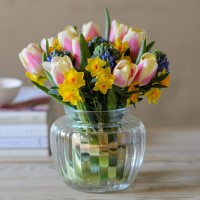 Scented-Spring-Joy-Flower-Vase-600x600