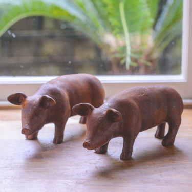 mini little rusty pig garden ornament