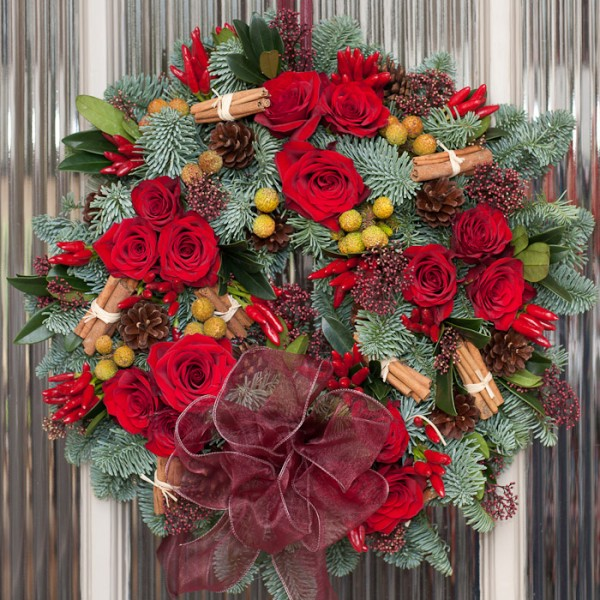 Fresh Red Rose & Festive Spice Wreath
