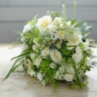 VINTAGE WHITE ROSE GARDEN LUXURY BOUQUET