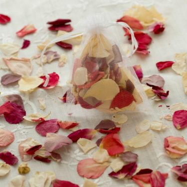 GARDEN MIXED ROSE PETAL CONFETTI