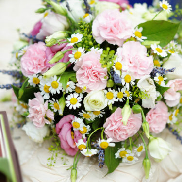 Daisy-Meadow-Mums-Bouquet-compressed