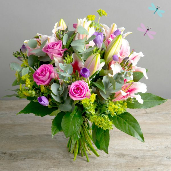 HONEY-BEE-SCENTED-BOUQUET-600x600
