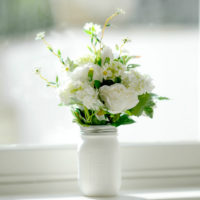 ARTIFICIAL WHITE ROSE & DAISY GARDEN WITH VINTAGE STYLE MASON JAR