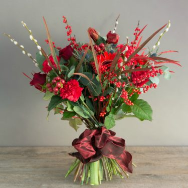 FESTIVE WOODLAND BOUQUET