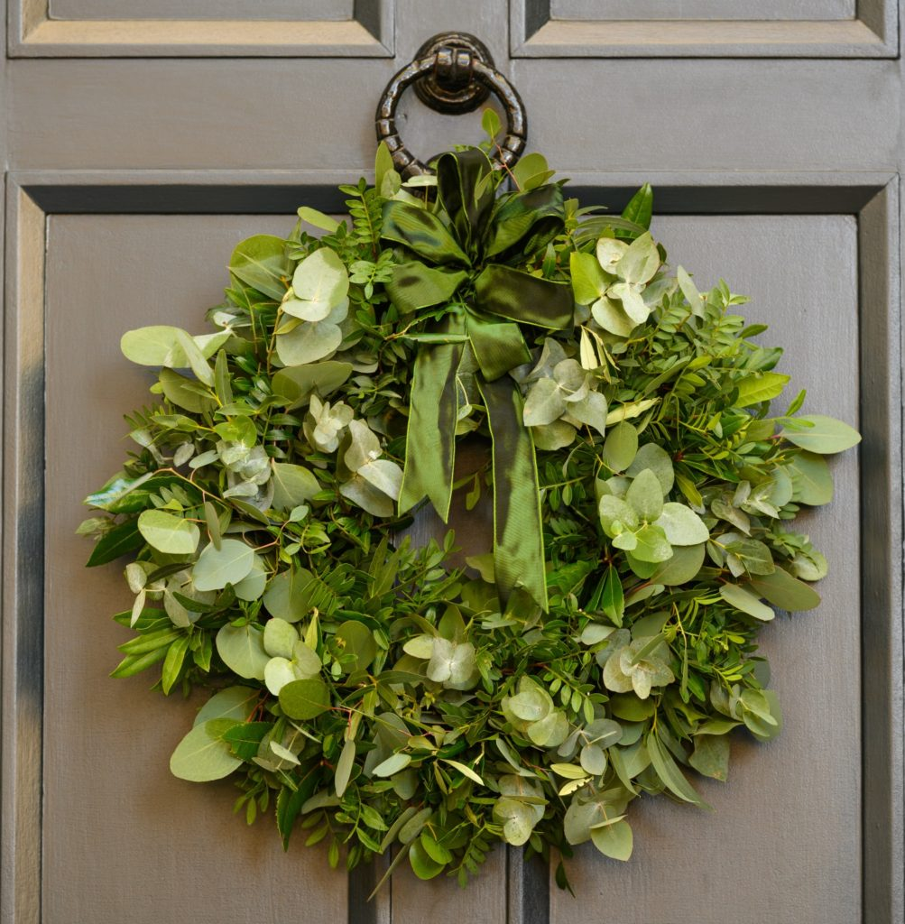 FRAGRANT-FOLIAGE-DOOR-WREATH