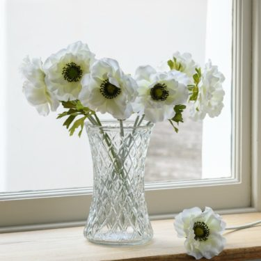 GLASS DIAMOND HAND TIED FLOWER VASE