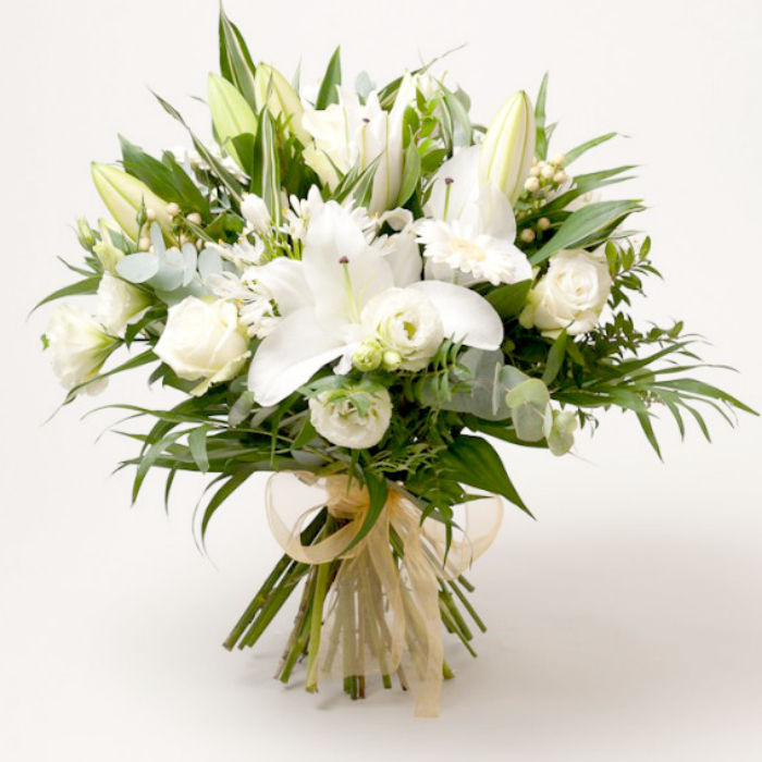 LUXURY-WHITE-LILY-BOUQUET