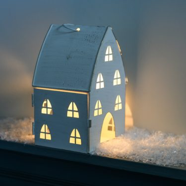 SCANDI STYLE FESTIVE HOUSE TEA LIGHT HOLDER