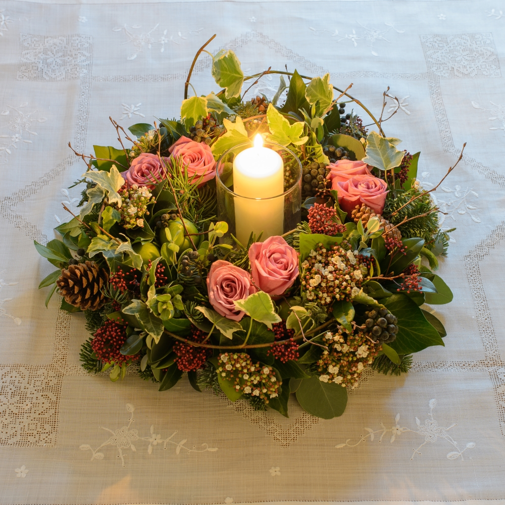 APPLE-AND-ROSE-BLUSH-TABLE-WREATH