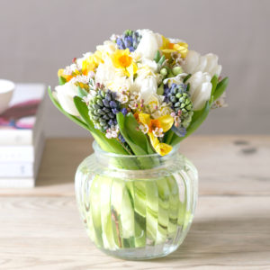 SPRING-SCENTED-FLOWER-MEDLEY-POSY-1-2