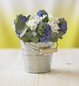 13-003-l-The-Flower-Studio-Spring-Flowers-in-Vintage-Style-Bucket-compc