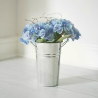 ARTIFICIAL-HYDRANGEA-BUCKET
