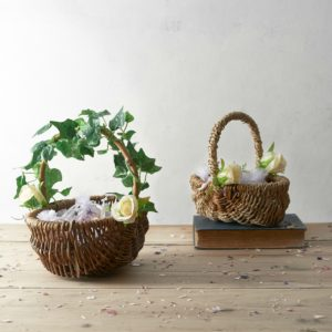 RUSTIC-FLOWER-GIRL-BASKET-WITH-PETAL-CONFETTI