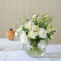 WHITE ROSE GARDEN FLOWER POSY