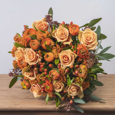Apricot Frills Luxury Rose Bouquet