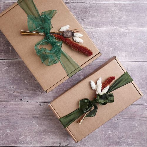 Gift Box ~ Medium Gift Wrapping With Dried Flower Posy